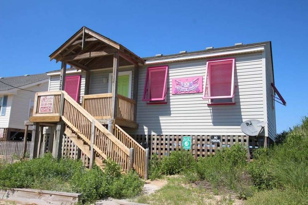 Kitty Hawk vacation rental with Pirate Queen