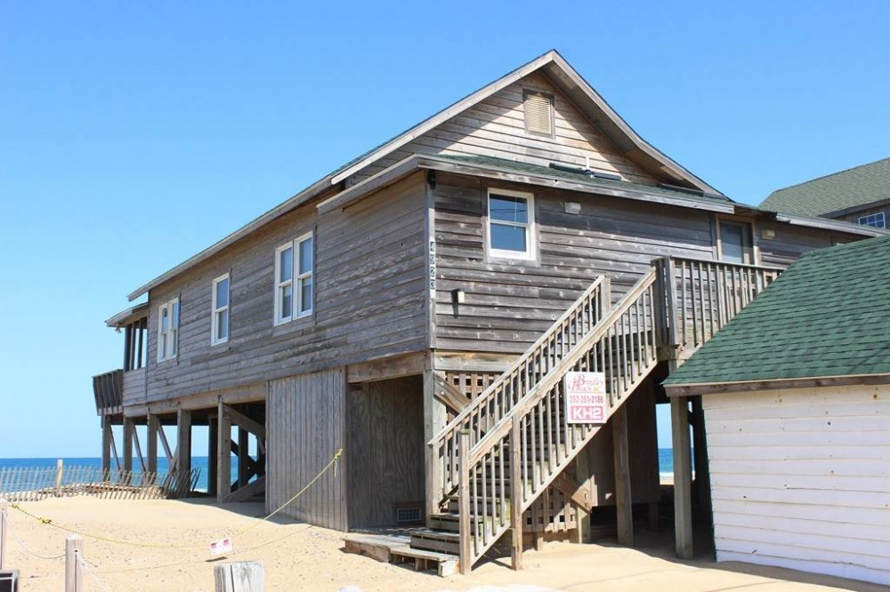Kitty Hawk vacation rental with Grogan