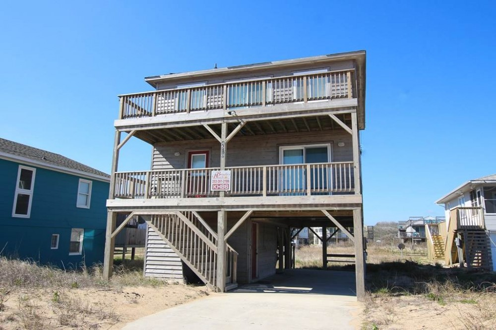 Kitty Hawk vacation rental with Mandley