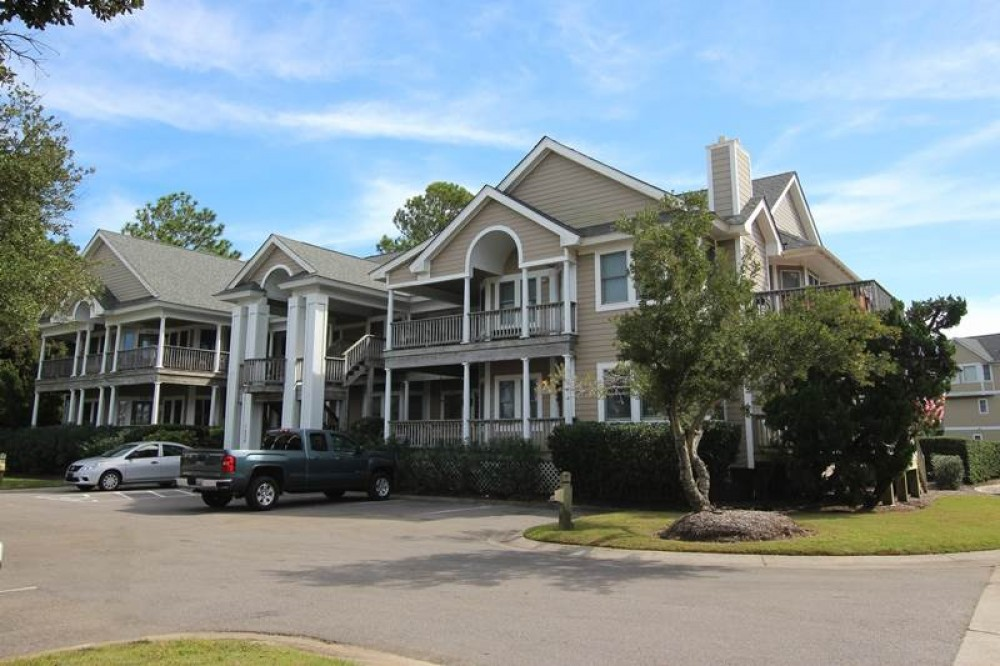 Corolla vacation rental with The Anchor House