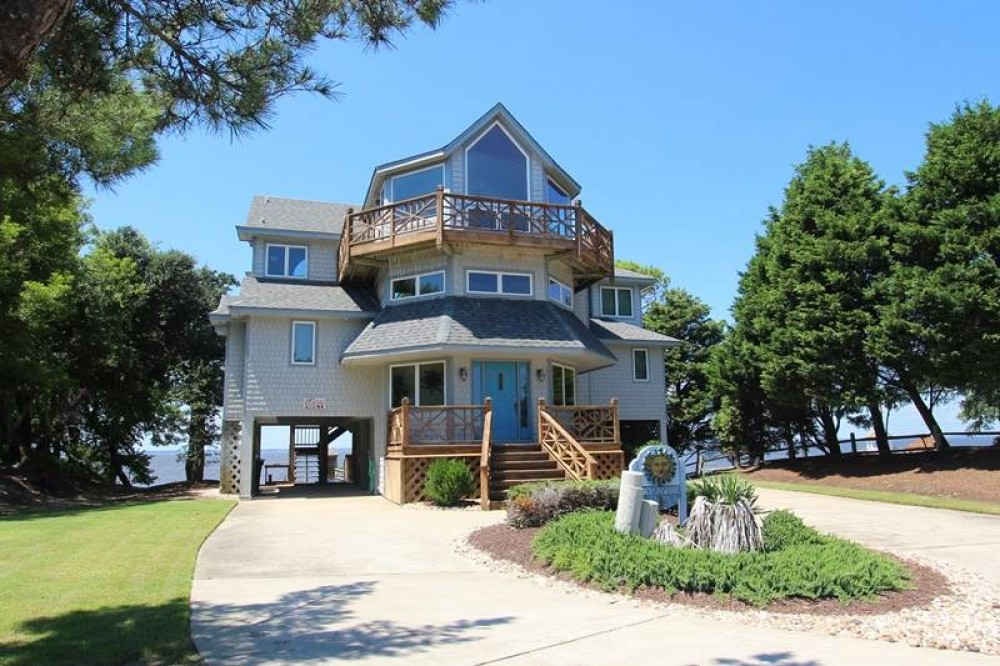 Corolla vacation rental with Devonshire