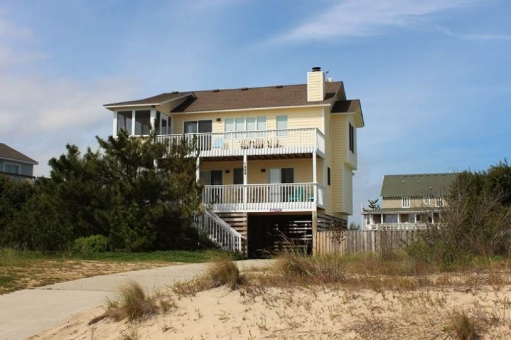 Corolla vacation rental with Sun Spot