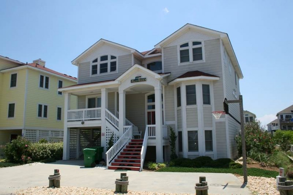 Corolla vacation rental with Wave Rider