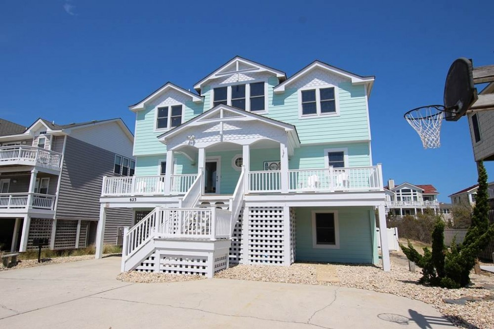 Corolla vacation rental with Tri the Surf