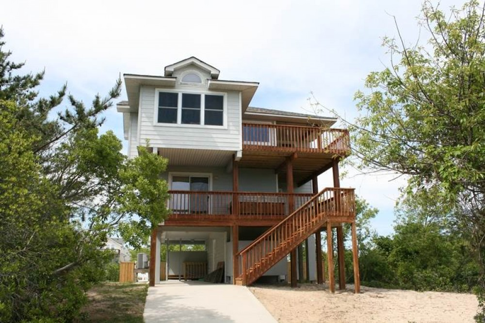 Corolla vacation rental with Buzz on the Beach