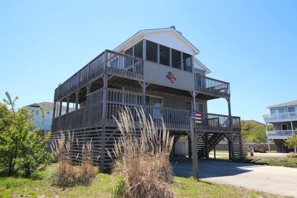 Corolla vacation rental with The Lone Star Fish