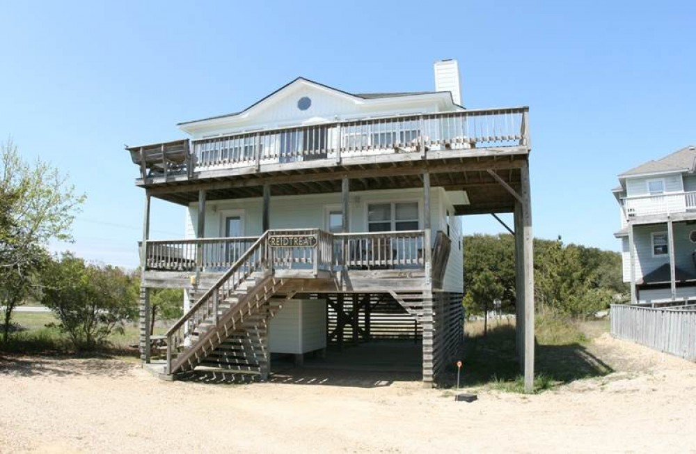 Corolla vacation rental with Reidtreat By The Sea