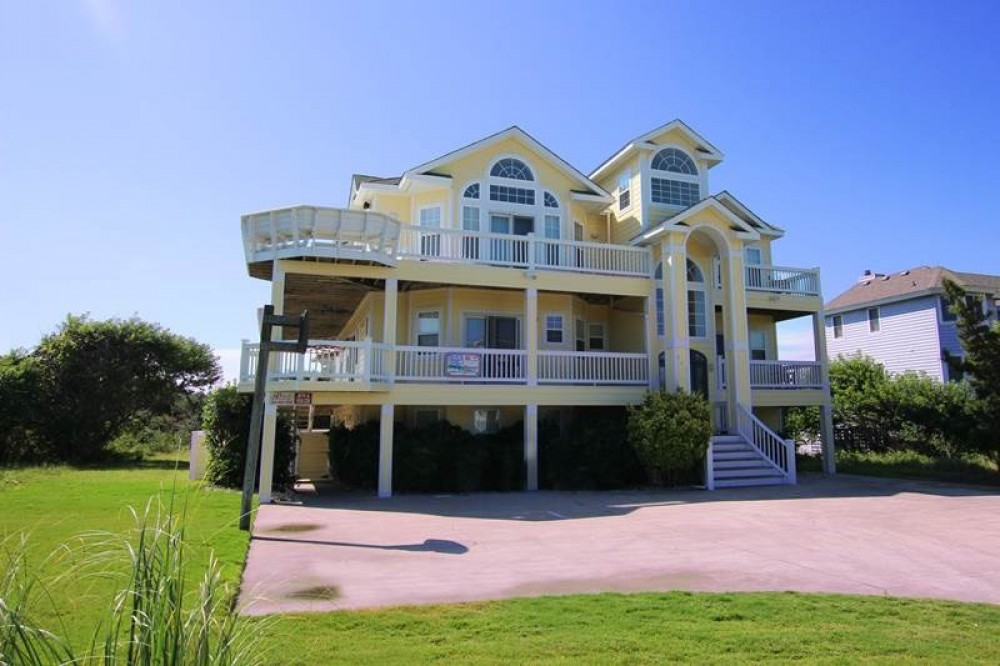 Corolla vacation rental with Garbo  s Getaway