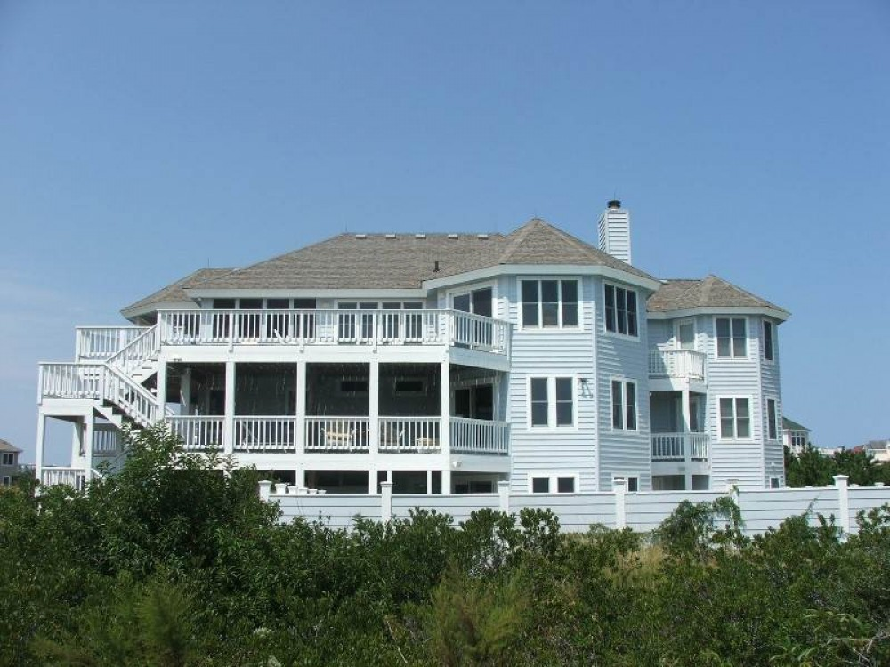 Corolla vacation rental with Fore Sea Suns