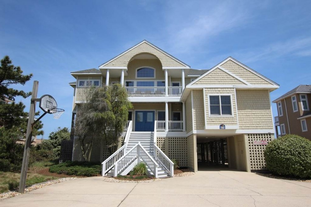 Corolla vacation rental with Life of Reilly