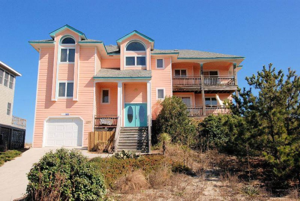 Corolla vacation rental with Dream Winds