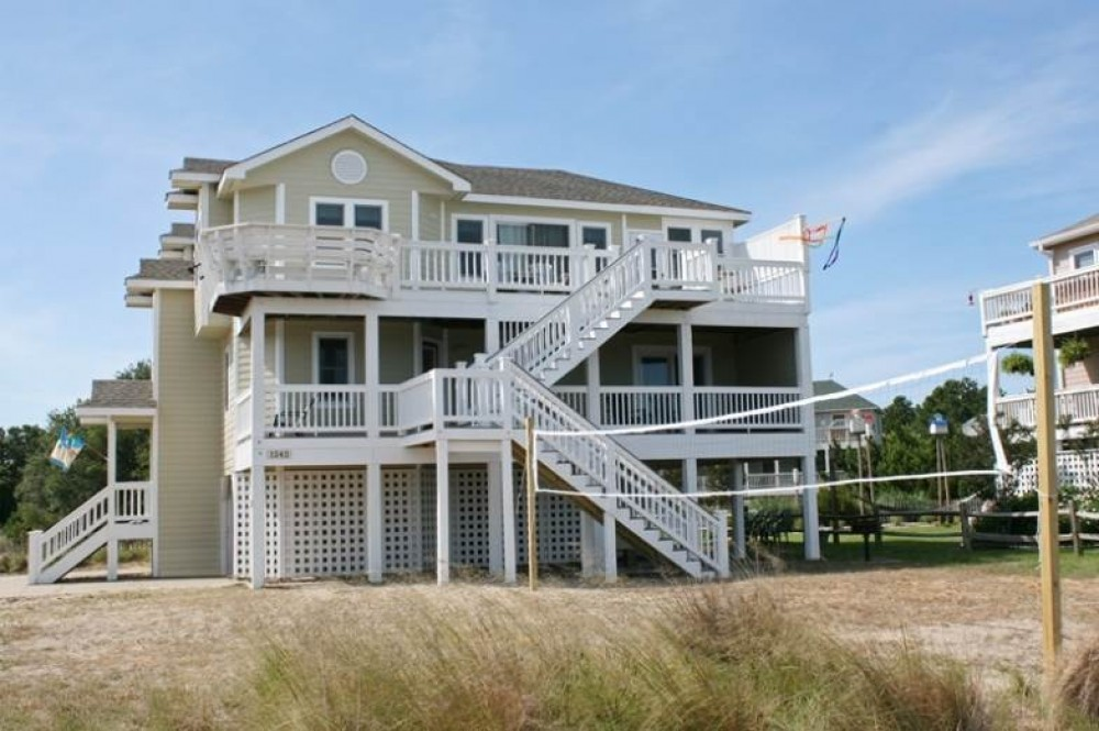 Corolla vacation rental with Lighthouse Breeze