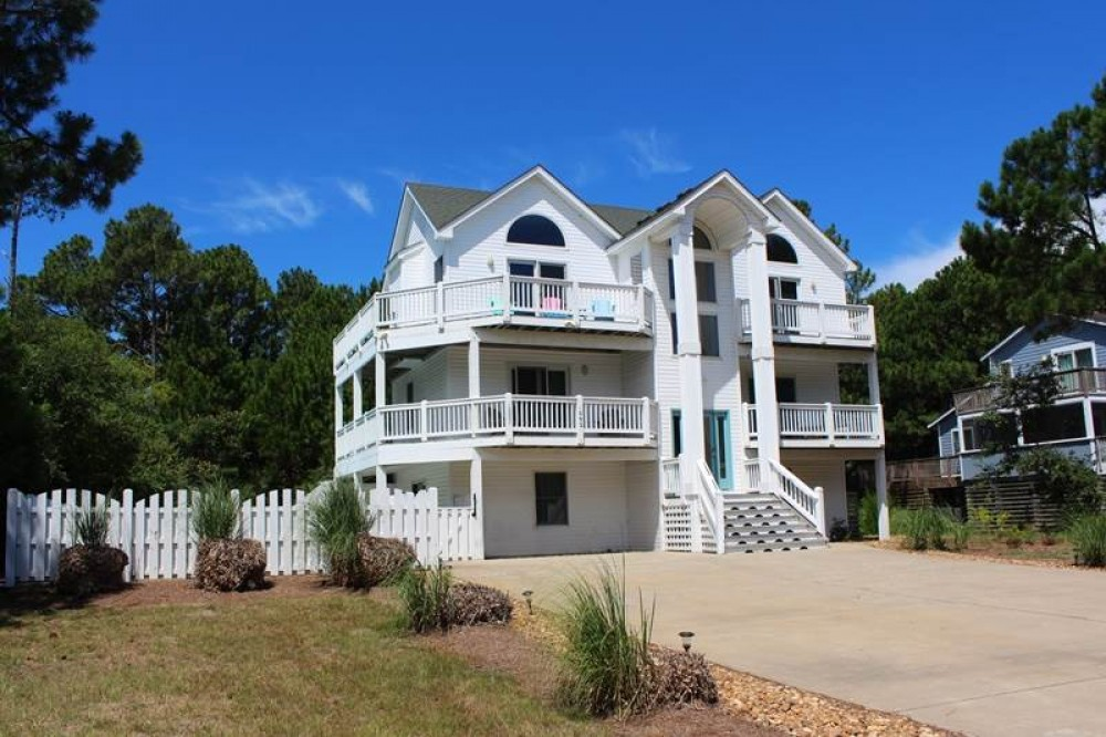 Corolla vacation rental with Casa de Crab