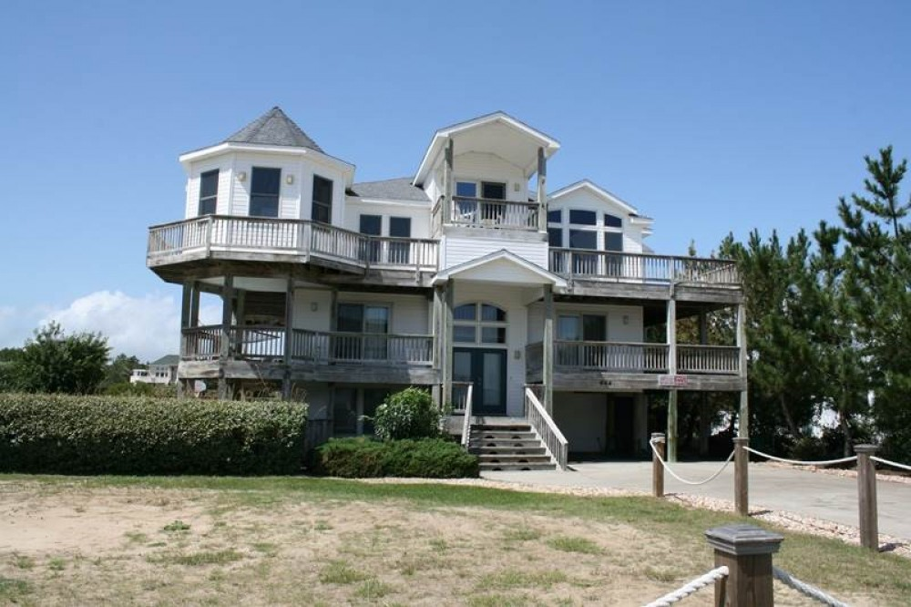 Corolla vacation rental with Shore Bet