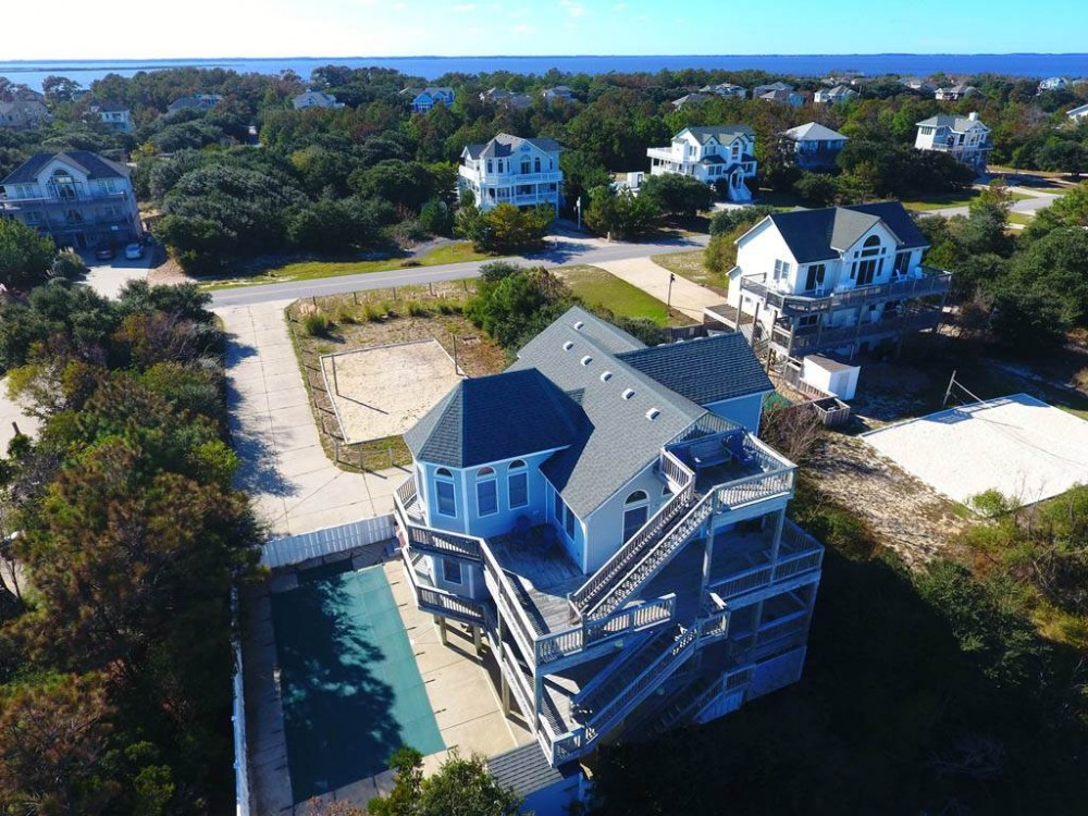 Corolla vacation rental with A Peace of Heaven