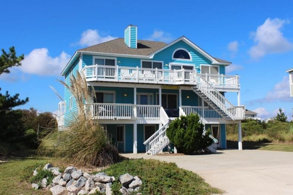 Corolla vacation rental with Coopersburger In Paradise