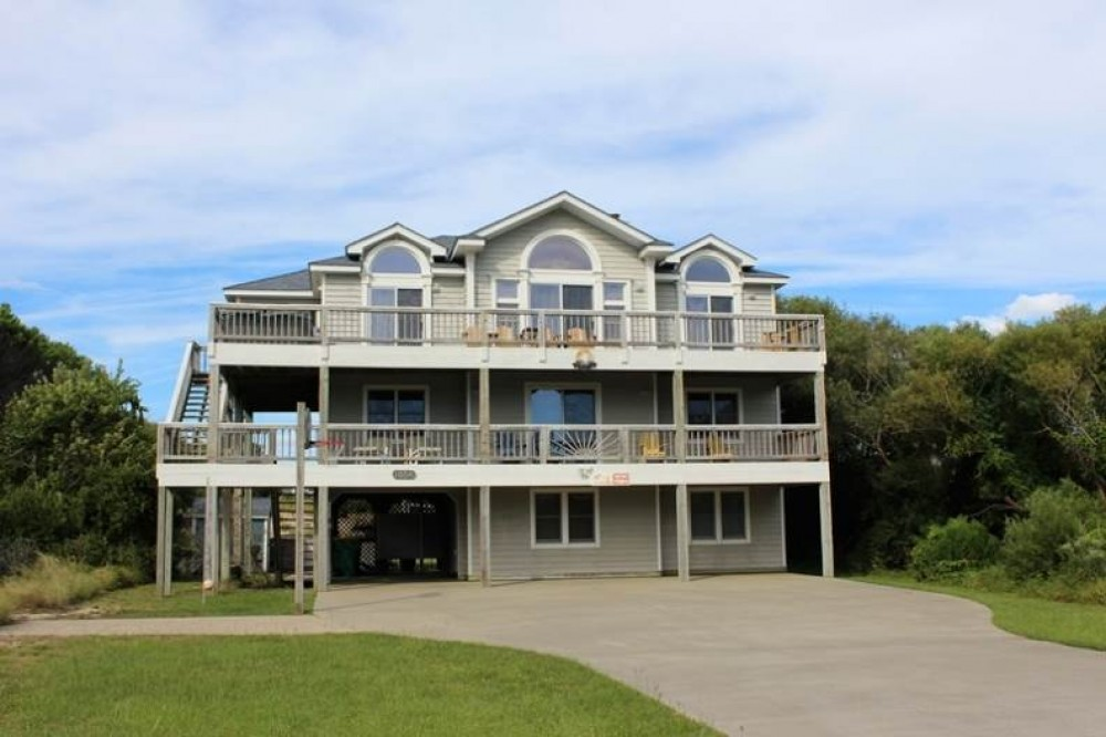 Corolla vacation rental with Atlantic Belle
