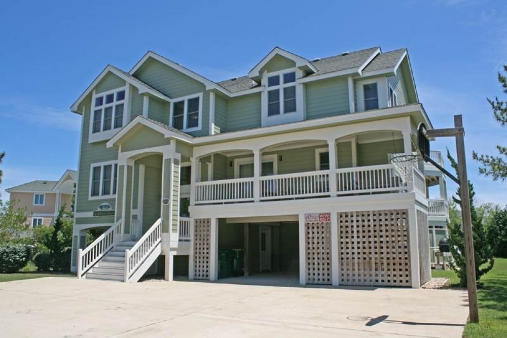 Corolla vacation rental with Seaquest Resort