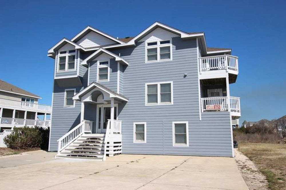 Corolla vacation rental with Flip Flops and Pop Tops