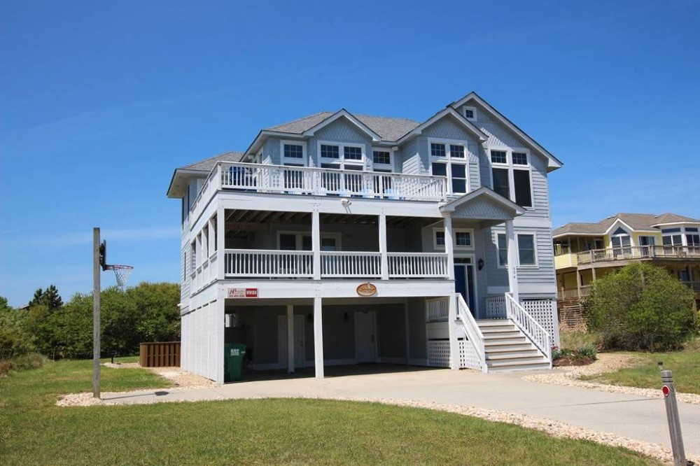 Corolla vacation rental with Sea Eagle