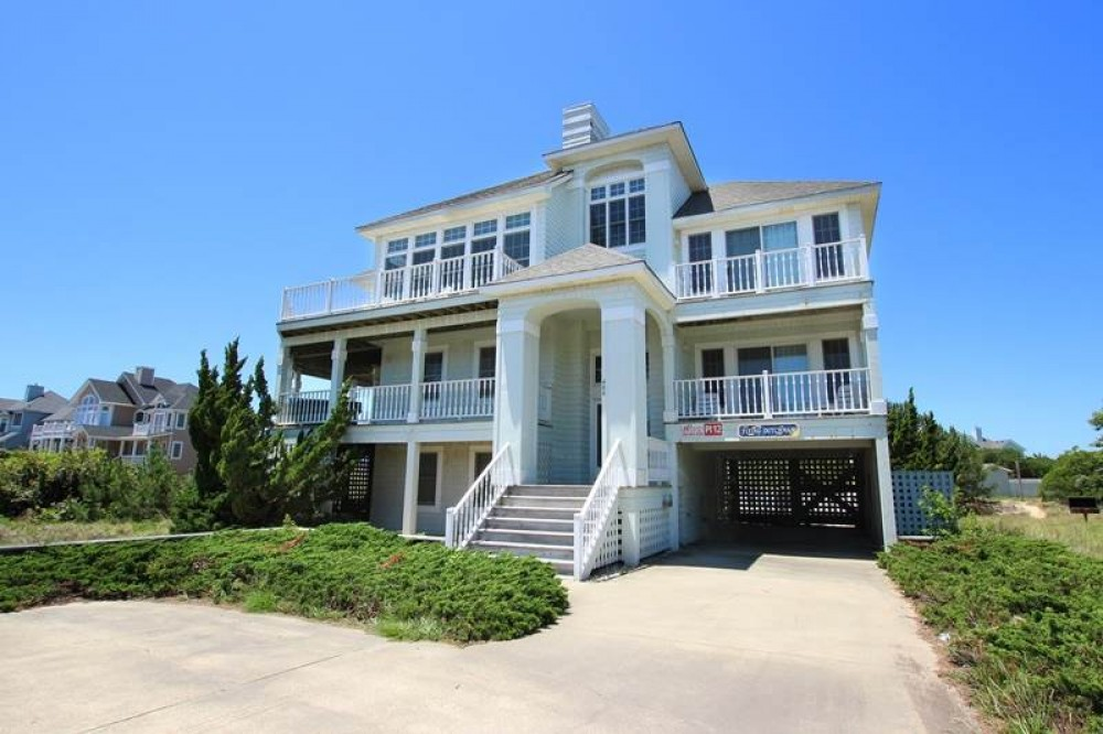 Corolla vacation rental with Flying Dutchman