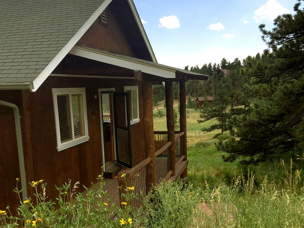 Lyons vacation rental with Mount Gratitude Cabin