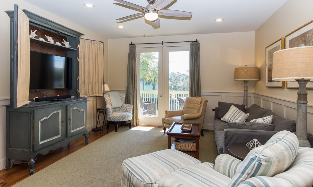 Santa Rosa Beach vacation rental with Living Room with doors to private balcony