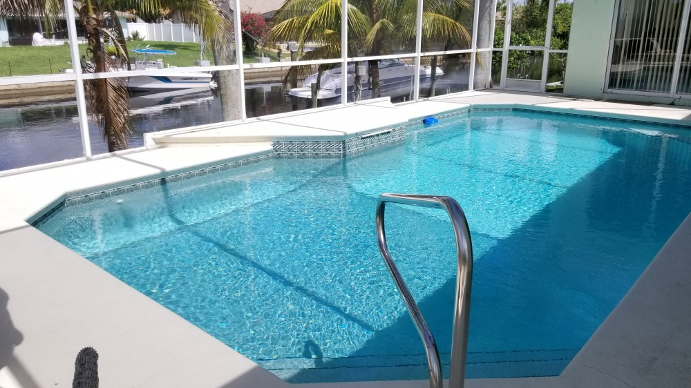 Cape Coral vacation rental with Wide Swimming Pool