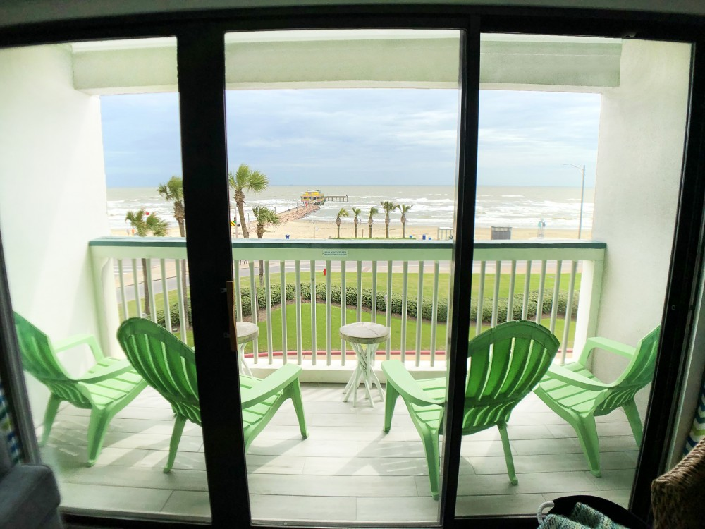 Galveston vacation rental with Tying in the lime green  you have these amazingly comfortable chairs on the balcony with a Top Floor  Front Facing Ocean View