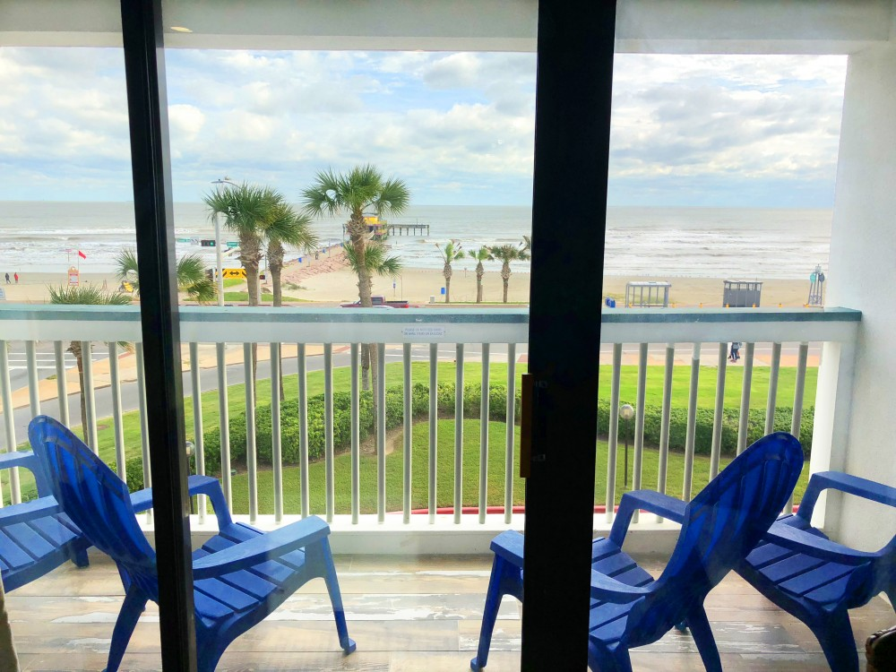 Galveston vacation rental with TOP floor and FRONT row    Beautiful view of the beach with super easy access at the crosswalk