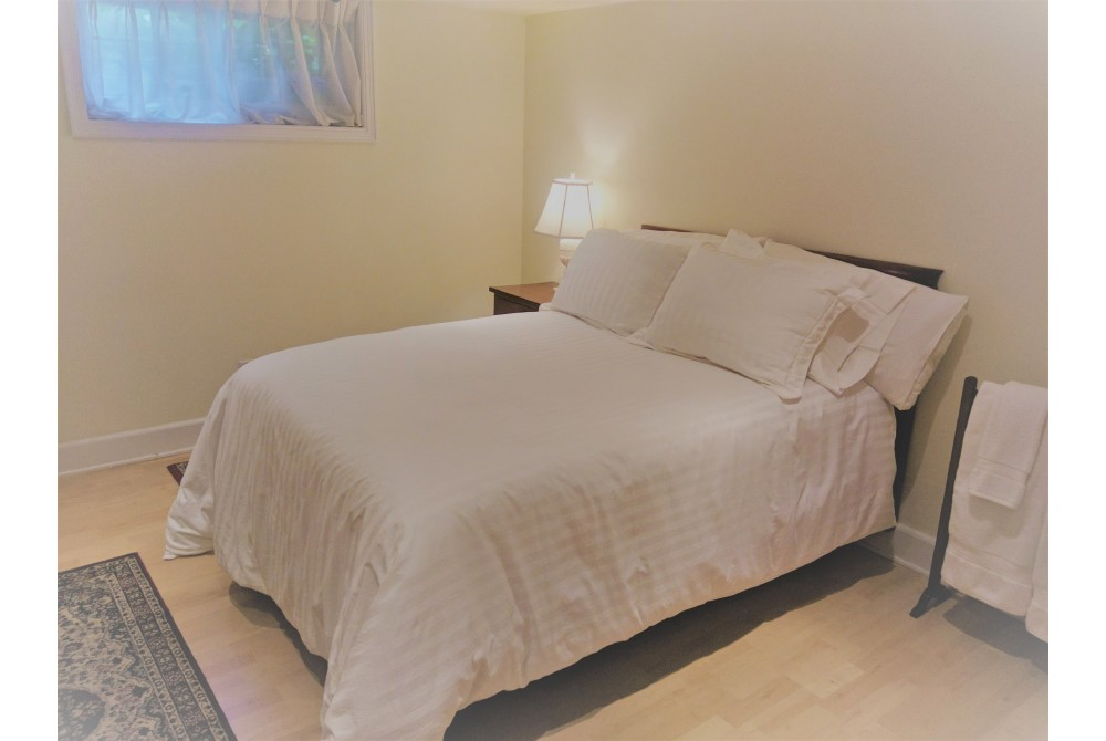 Ottawa vacation rental with Double Bed