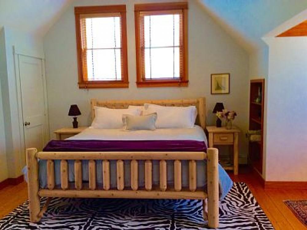 Airbnb Alternative Property in belgrade lakes