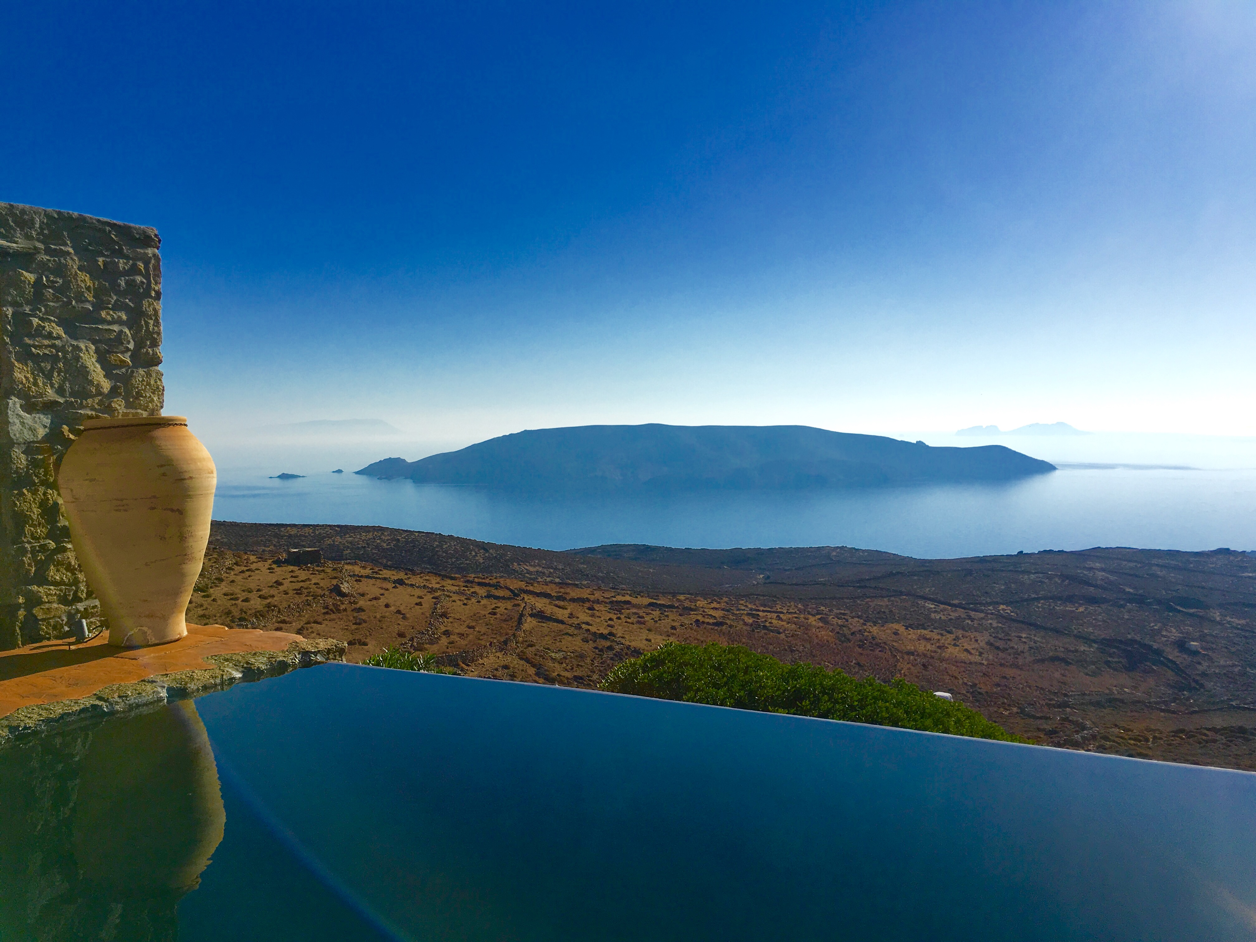 Amazing views , luxurious & private 4 bedroom villa in Mykonos with spectacular infinity pool