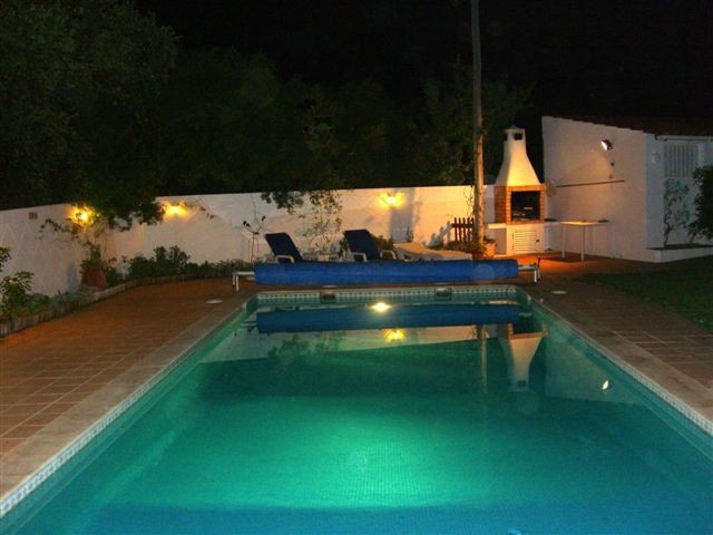 LUXURY VILLA IN WALLED GARDEN WITH PRIVATE HEATED & FENCED POOL