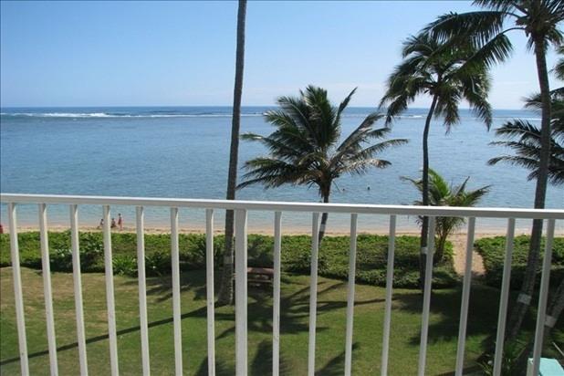 Peaceful Punaluu! 1 Bd Beachfront Condo - Renovated Unit