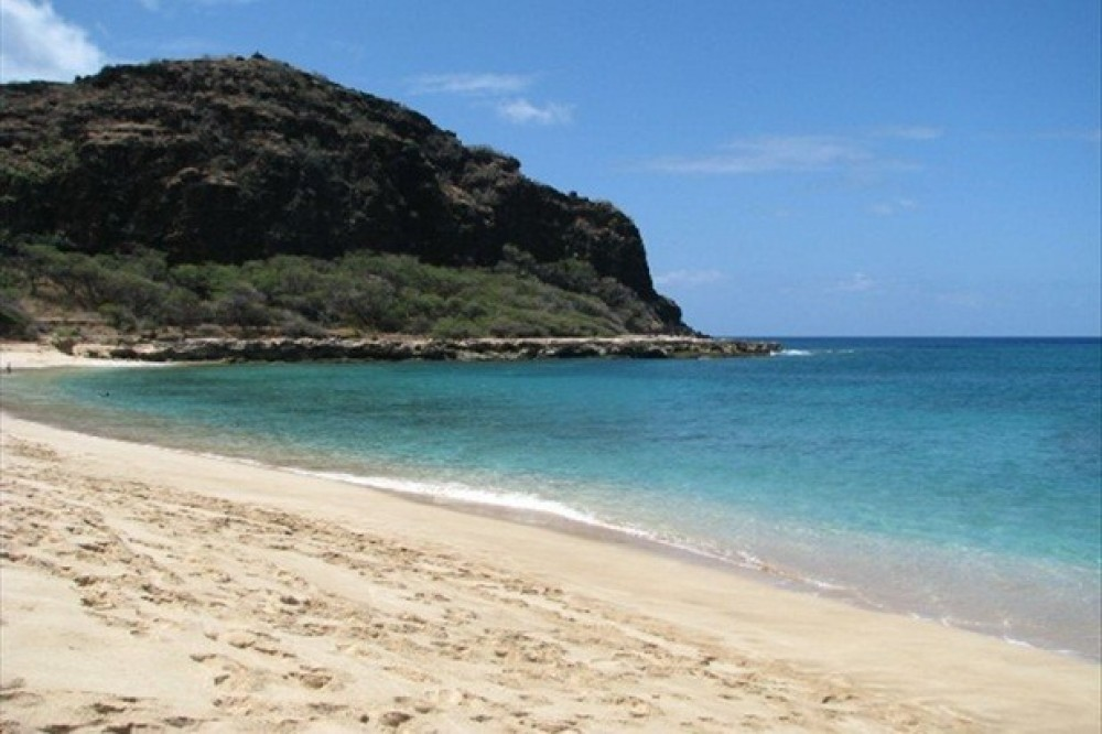 Step Out Your Door to the Sand at Makaha! Ground Floor Unit!