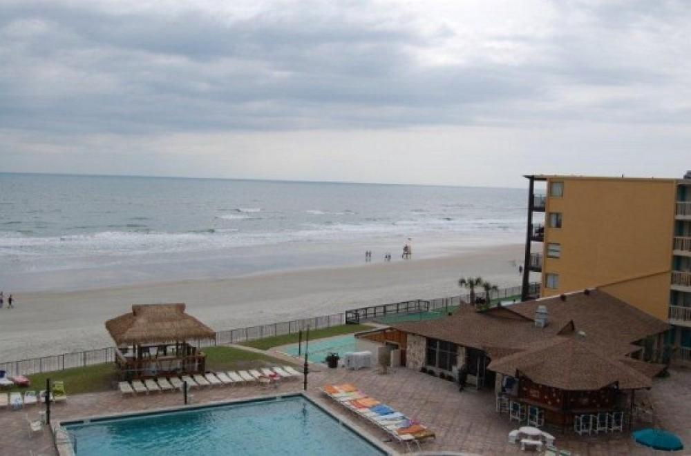 1 Bedroom 1 Bath Oceanfront + Pool - Unit 308
