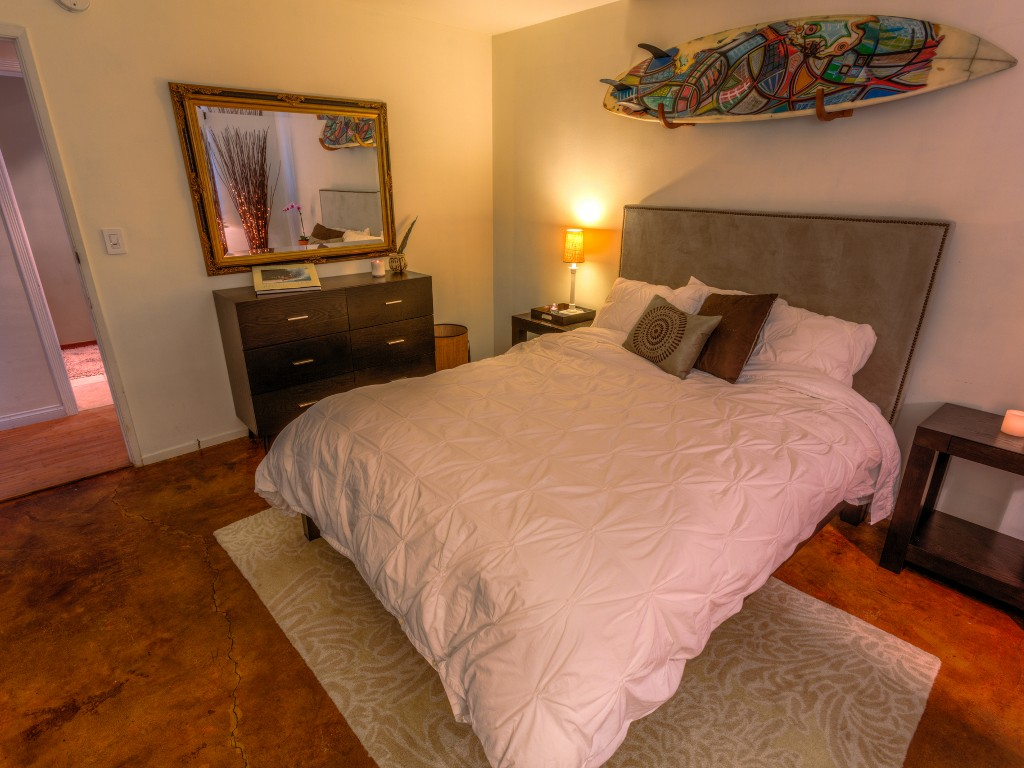 Elegantly Furnished Condo with Charming, Zen, Patios - Steps to the Beach!