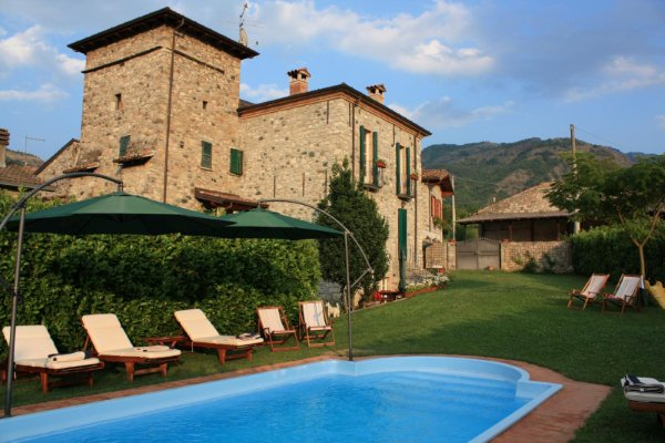 La Torretta Resort B&B With Beautiful 3 Rooms - Piacenza Holiday Rentals