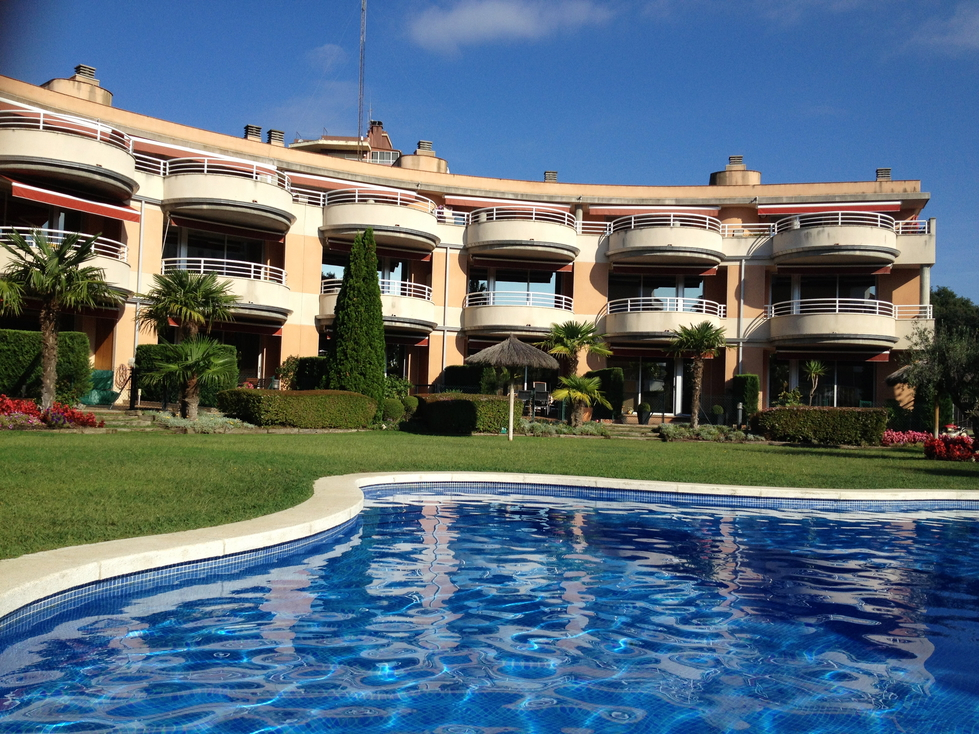 Apartment For 5 People With Commual Pool - Platja D