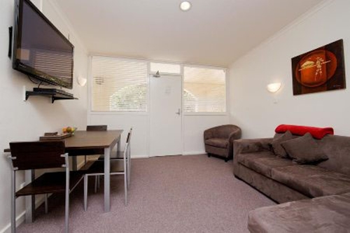 Ainslie Duplex and Cottages to Rent - Canberra Holiday Rentals