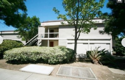 Newly Furnished 2 Bedroom Condo - Walk to Downtown - Convenient Location!
