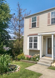 2 Bedroom+ Studio Townhouse For up to 6 People - Baltimore Holiday Rentals