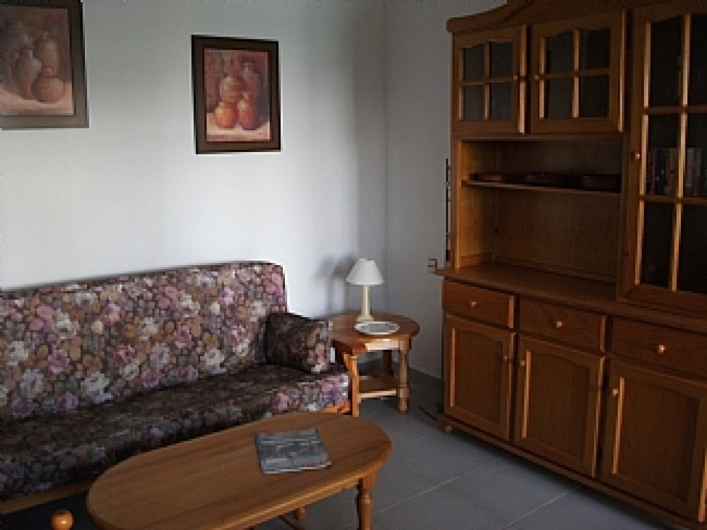 A Roomy, Well Appointed 2 Bedroom Holiday Apartment. Close To Three Superbly Appointed Golf Courses