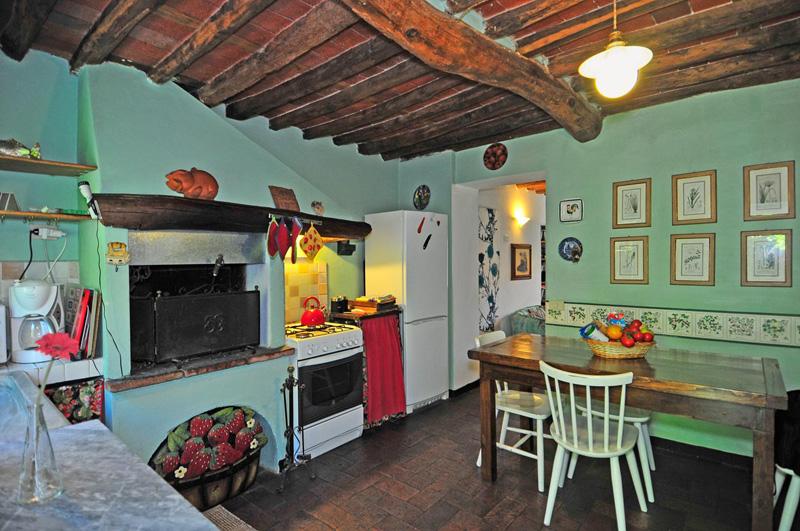 2 Bed Short Term Rental Apartment lucca
