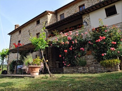 HILLTOP COUNRY HOUSE, UMBRIAN/TUSCAN BORDERS, STUNNING VIEWS, POOL