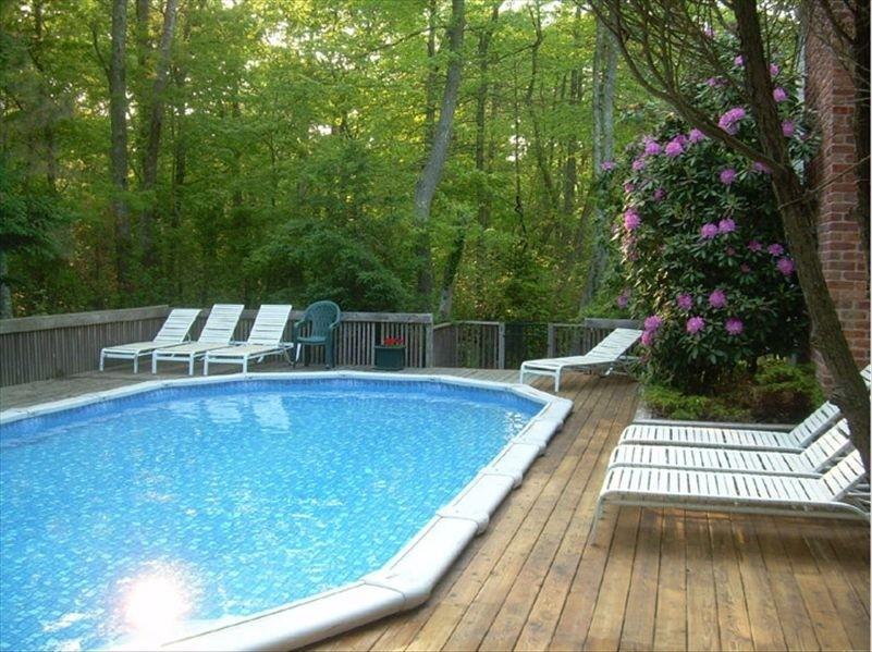 Hamptons Rental Beautiful! Private Beach & Canoes!