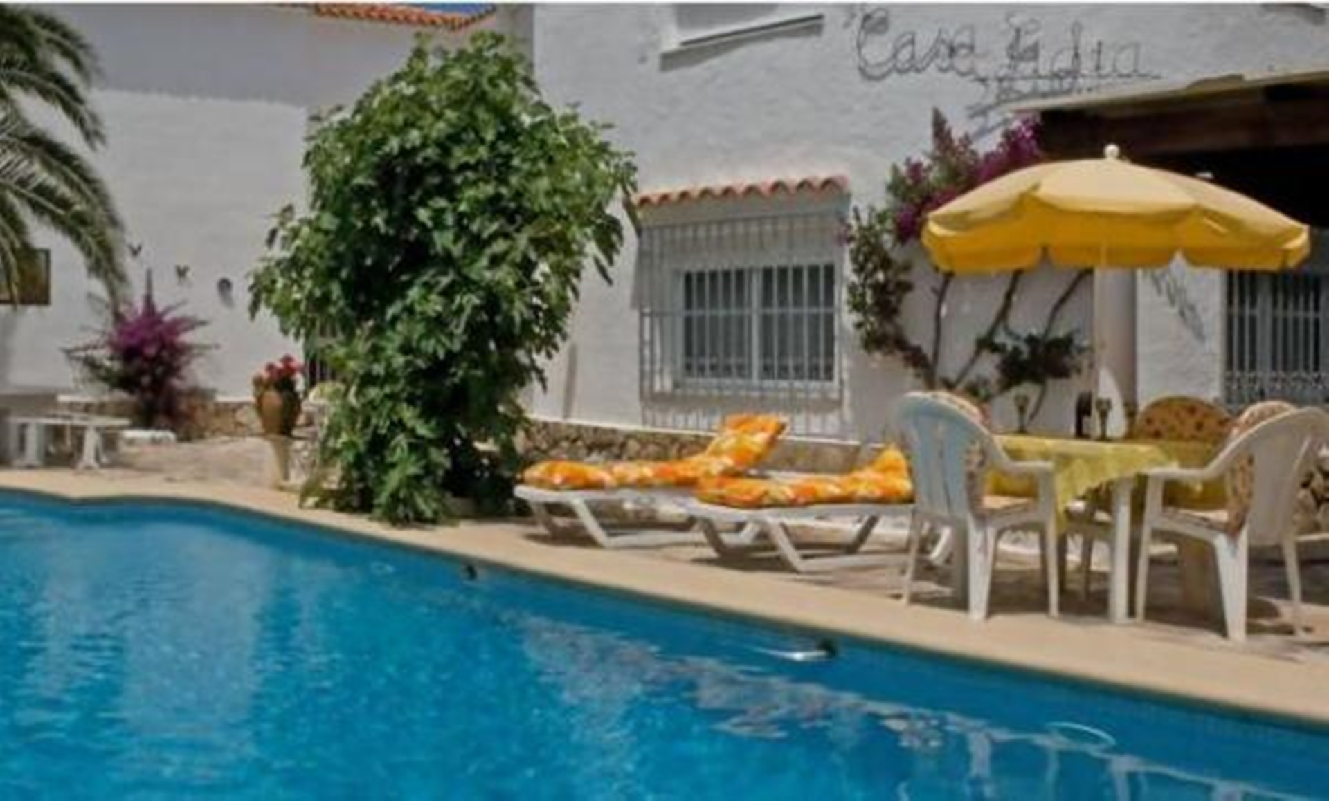 Bungalow 2 Bedrooms, Shared Pool, WIFI, Sat.TV,  Sea 200m,