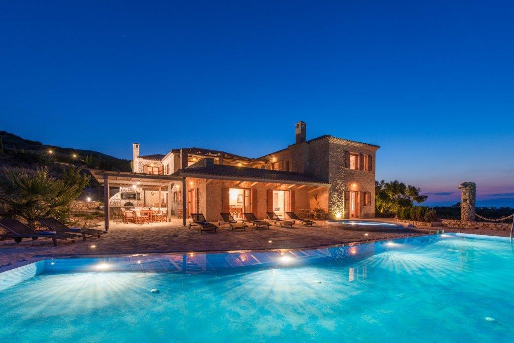 Palace - Luxury Villa Over The Sea
