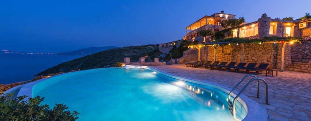 Deep Blue  - Luxury Villa Over The Sea